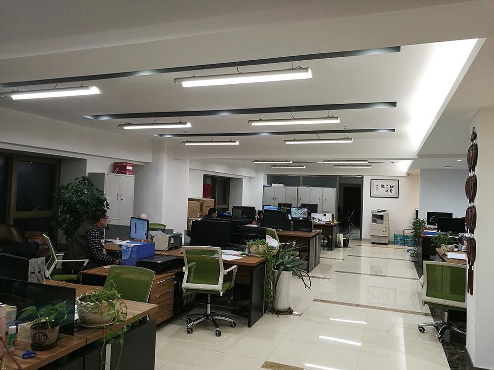 4.敞开办公室.jpg